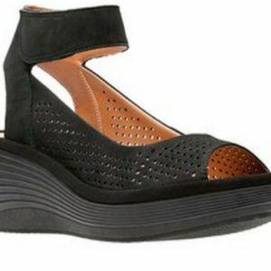 Clarks Sandals (Black)
